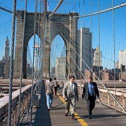 """القبض على شاب سعودي تسلق جسر بروكلين بنيويورك ليلتقط """"سيلفي"""""""
