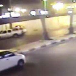 بالفيديو..مقيم ينجو بأعجوبة من الدهس تحت عجلات سيارة مسرعة برفحاء