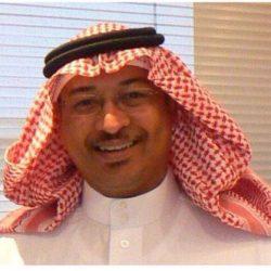الأستاذ حابس الرويلي يهنئ منصور فداوي بمناسبة تخرجه من جامعة كنتاكي بأمريكا