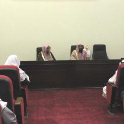 الشيخ فرج بن هليل العنزي يناقش أول رسالة ماجيستير بكلية الشريعة بجامعة الجوف