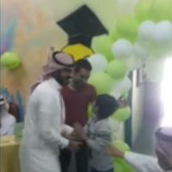"""أمير القصيم يُكرم """"الربيش"""" تقديراً للجهود المبذولة لخدمات مرضى مستشفى بريدة المركزي"""