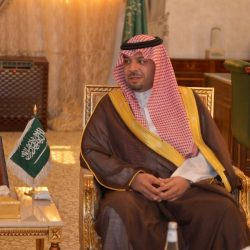 الأمير فيصل بن خالد يطلع على النشاط الإذاعي في المنطقة