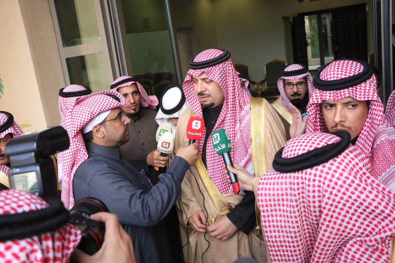 """حوار أمين اعلاميين طريف مع أمير الشمالية أثناء زيارته لطريف """"كامل"""""""