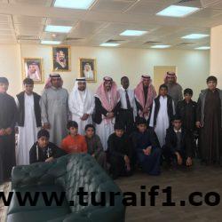 طلاب مدرسة عبدالله بن الزبير بطريف يزورون كلية العلوم والآداب