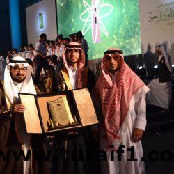 الدكتور عبدالرحمن الرويلي يحتفل بتخرجه من كلية الطب بجامعة الجوف