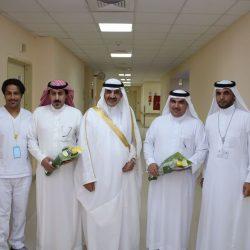 محافظ يزور المرضى المنومين بمستشفى طريف العام ويستقبل المهنئين بالعيد