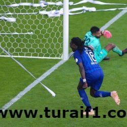 الهلال يفوز على الأهلي في الدوري برباعية مقابل 3 أهداف