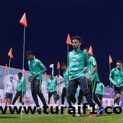 """بالصور """"الأخضر"""" يدشن تدريباته في أبو ظبي"""