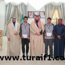 الأمير فيصل بن خالد بن سلطان يكرم الطلاب الفائزين في مسابقة ألعاب القوى على مستوى المملكة