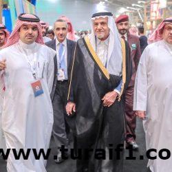 الأمير تركي الفيصل يزور جناح التنمية السياحية بالشمالية