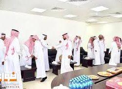 الأشجعي يهنئ العنزي بمناسبة تعيينه مديراً لمكتب العمل بطريف