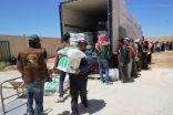فرع مركز الملك سلمان بالأردن يوزع 438 سلة غذائية رمضانية على الاشقاء اللاجئين السوريين في المفرق