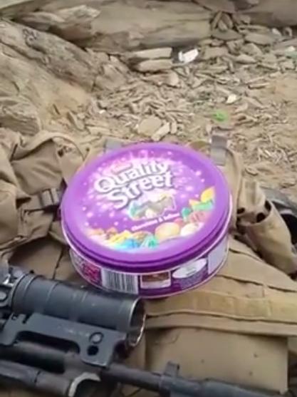 جندي مرابط بالحد الجنوبي يقدم عيدية مميزة للوطن في علبة حلوى