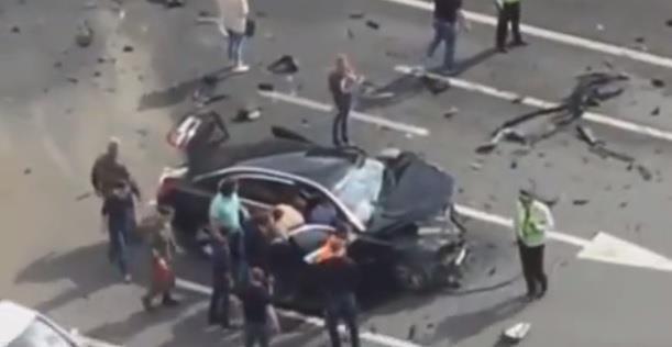 تحطم سيارة الرئيس الروسي في حادث مروع