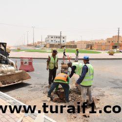 بلدية طريف تواصل سفلتة الحي الإداري
