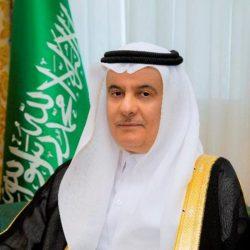 سمو الأمير فيصل بن خالد بن سلطان يعزي مدير بنك التنمية الاجتماعية بعرعر بوفاة والده