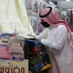 محافظ طريف يطمئن على صحة الأستاذ فهد الدغماني بعد اجرائه عملية جراحية في مستشفى طريف