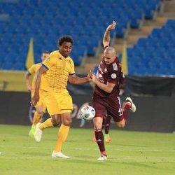 الهلال يبدأ حملة الدفاع عن لقب الدوري بفوز صعب أمام العين