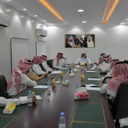 بالصور .. الفرق الرقابية بمكتب وزارة التجارة بطريف ، تنفذ جولة رقابية على المنشآت التجارية