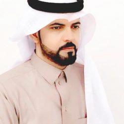 في اليوم العالمي للمعلم .. أمير الحدود الشمالية يكرم الأستاذ محمد سودان الرويلي
