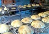 التلاعب بأحجام ووزن الخبز في مخابز محافظة طريف يثير حفيظة المواطنين