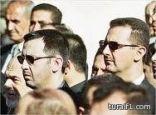 ماهر الأسد يحب الدماء و هو المسؤول الأول وليس الثاني و بشار يشتهر داخل عائلته بأنه الأضعف والأكثر ترددا
