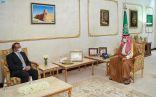 سمو أمير منطقة الحدود الشمالية يستقبل سفير باكستان لدى المملكة