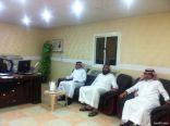 مدير فرع وزارة التجارة بطريف يزور نادي الصمود الرياضي
