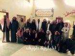 بالصور..مدرسة هجرة بن سعيد تودع المعلم الفاضل جابر الرويلي بعد 28 عاماً من العطاء