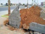 بلدية طريف ترد على مانشر في اخبارية طريف حول سقوط جدار القوالب في الطريق الدولي