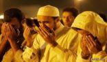 إمام مسجد يرعب المصلين بالتفاته عليهم عند آيات الوعيد