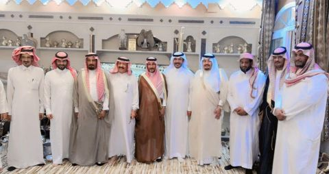 شيوخ واعيان قبيلة الحازم بضيافة الزميل الاعلامي سلطان الهوير بمنزله