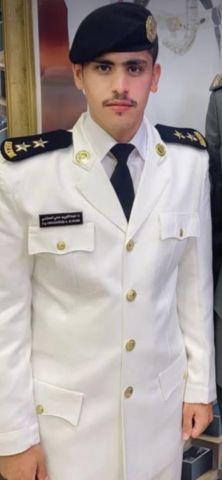الملازم أول عبدالكريم الحازمي يتخرج من كلية الملك فهد البحرية ويحصل علي المركز الثالث