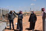 بالصور .. بلدية طريف تنشئ ملعباً رياضياً شرق المحافظة