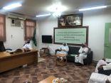 الشريف يتفقد سير العملية التعليمية بمتوسطة عبدالله بن الزبير