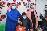 بالفيديو والصور .. محافظ طريف يكرم مستفيدي جمعية طريف للمعاقين بمهرجان ريف طريف