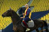 بالخيول نجوم النصر يدخلون ملعبهم الجديد