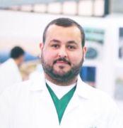 الدكتور سیف الشعلان يحصل على البكالوريوس في تخصص الطب والجراحة العامة