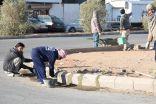 بلدية طريف تواصل أعمال مشروع الأرصفة في بعض الشوارع بالمحافظة